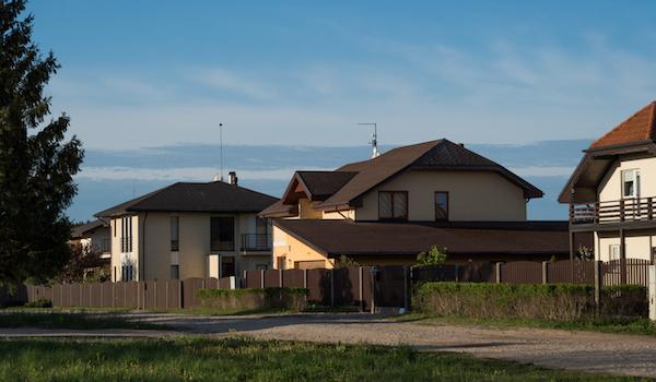 ģimenes māja vētrās mārupē